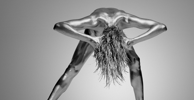Exquisite Photos of Dancers Photographed in Metallic Body Paint will Inspire You