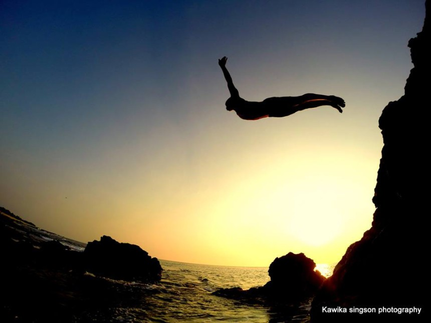 Kawika-Singson-Photographer-on-Fire-hawaii-ocean-cliff-diving-photography