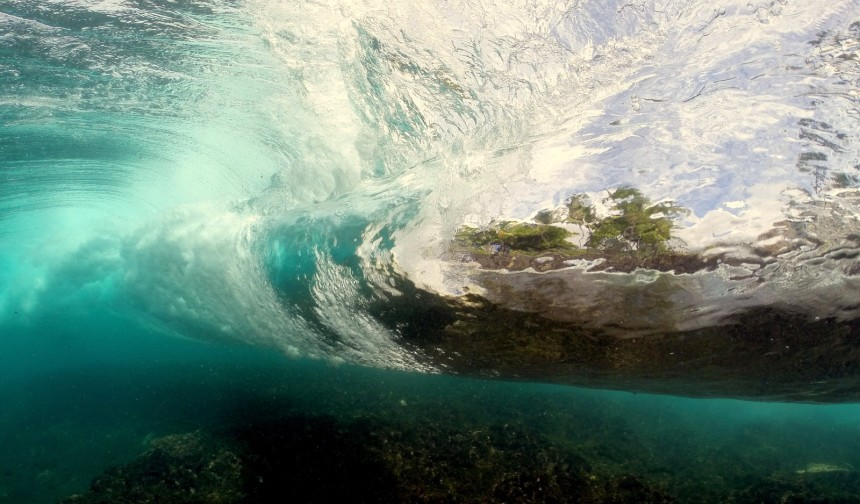 Kawika-Singson-Photographer-on-Fire-hawaii-wave-underwater-photography
