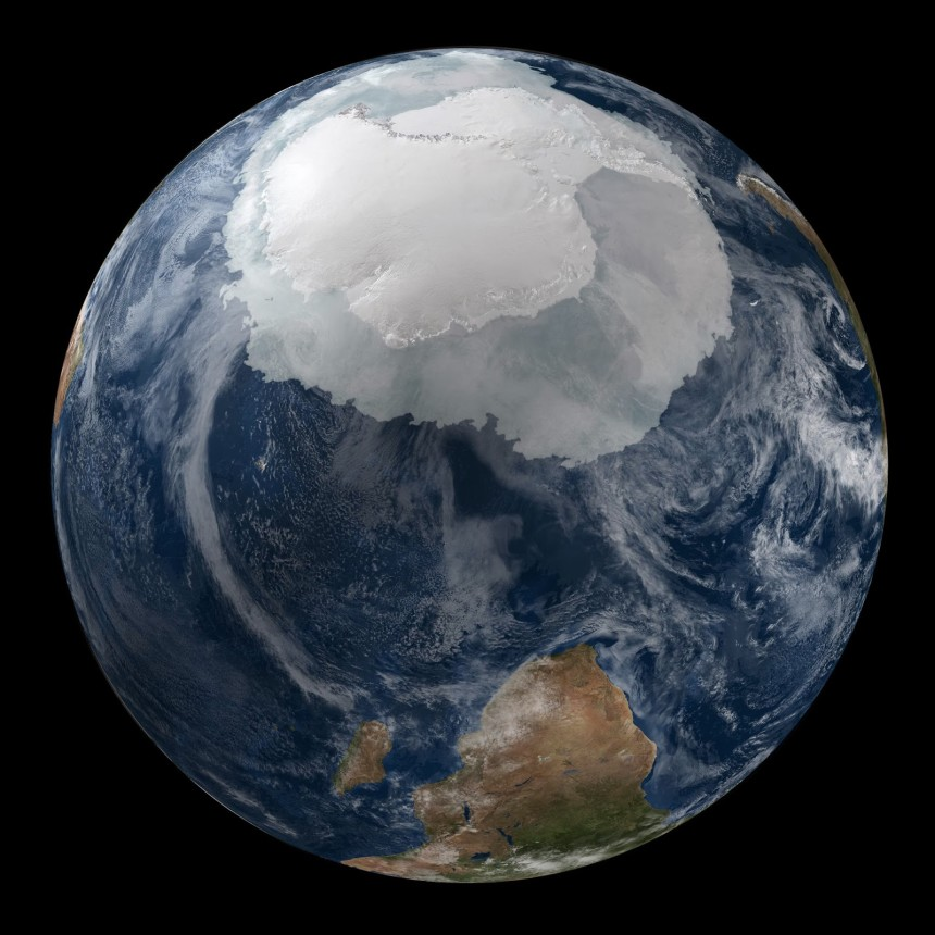 Photos-of-Antarctica-Above-Earth-NASA