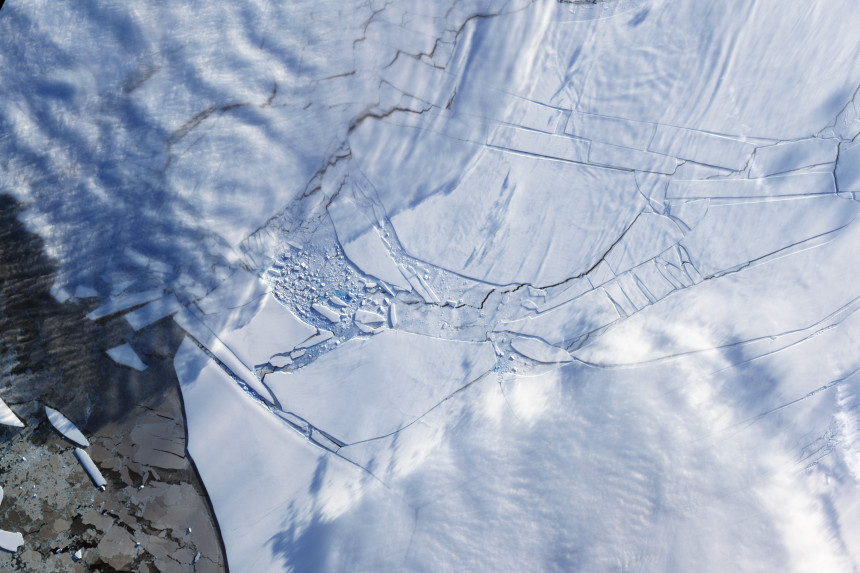 Photos-of-Antarctica-Broken-Ice-NASA