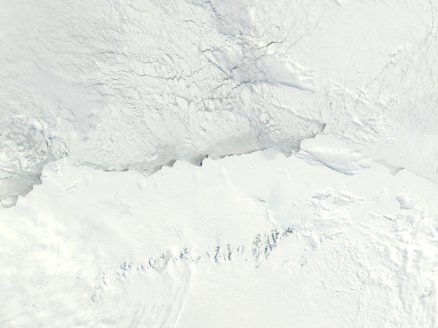 Photos-of-Antarctica-Sea-Drifts-NASA