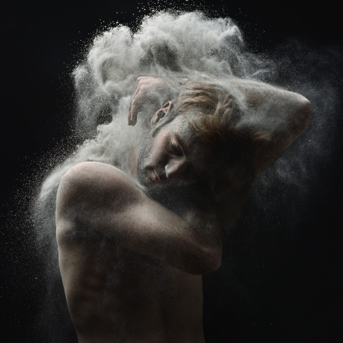 olivier-valsecchi-photography-time-of-war-dust-photo-nude-art