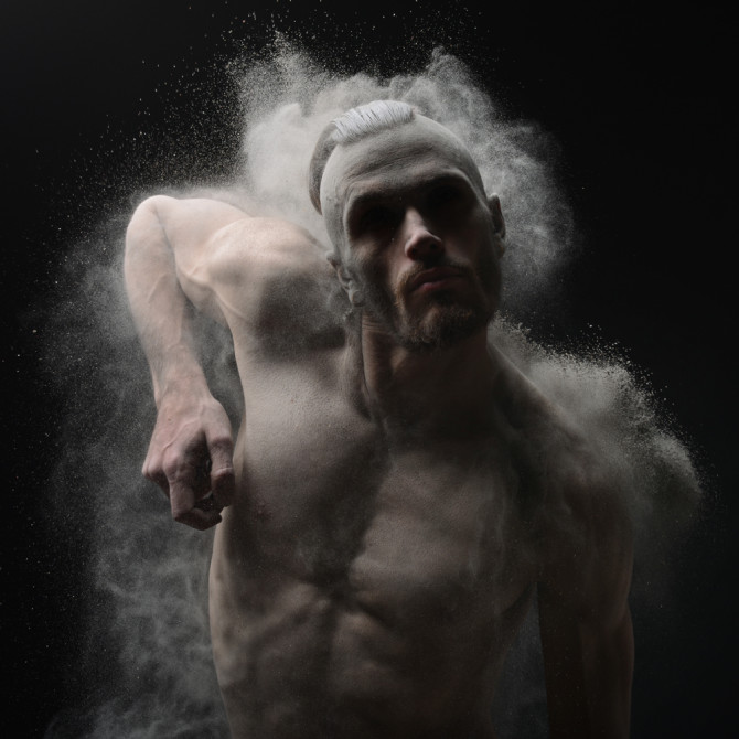 olivier-valsecchi-photography-time-of-war-naked-powder-photo-man