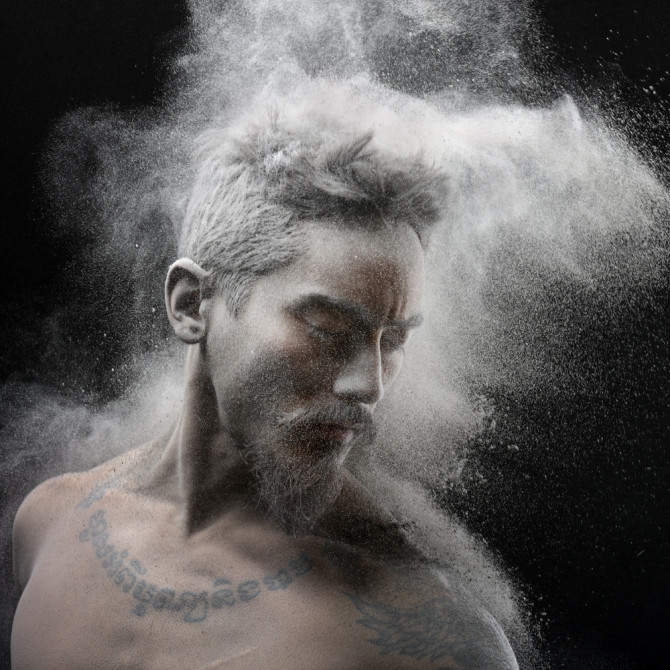 olivier-valsecchi-photography-time-of-war-powder-photography